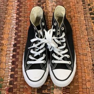 Hi top converse size 6.5 women's